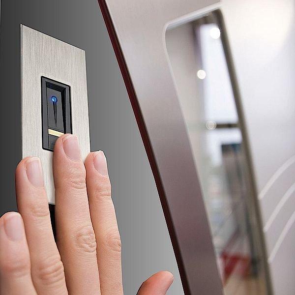 Биометрическая система контроля доступа ekey! Новый бренд!